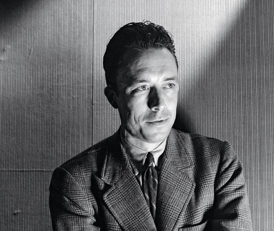 """Todo maringaense deveria ler """"A peste"""", de Albert Camus"""