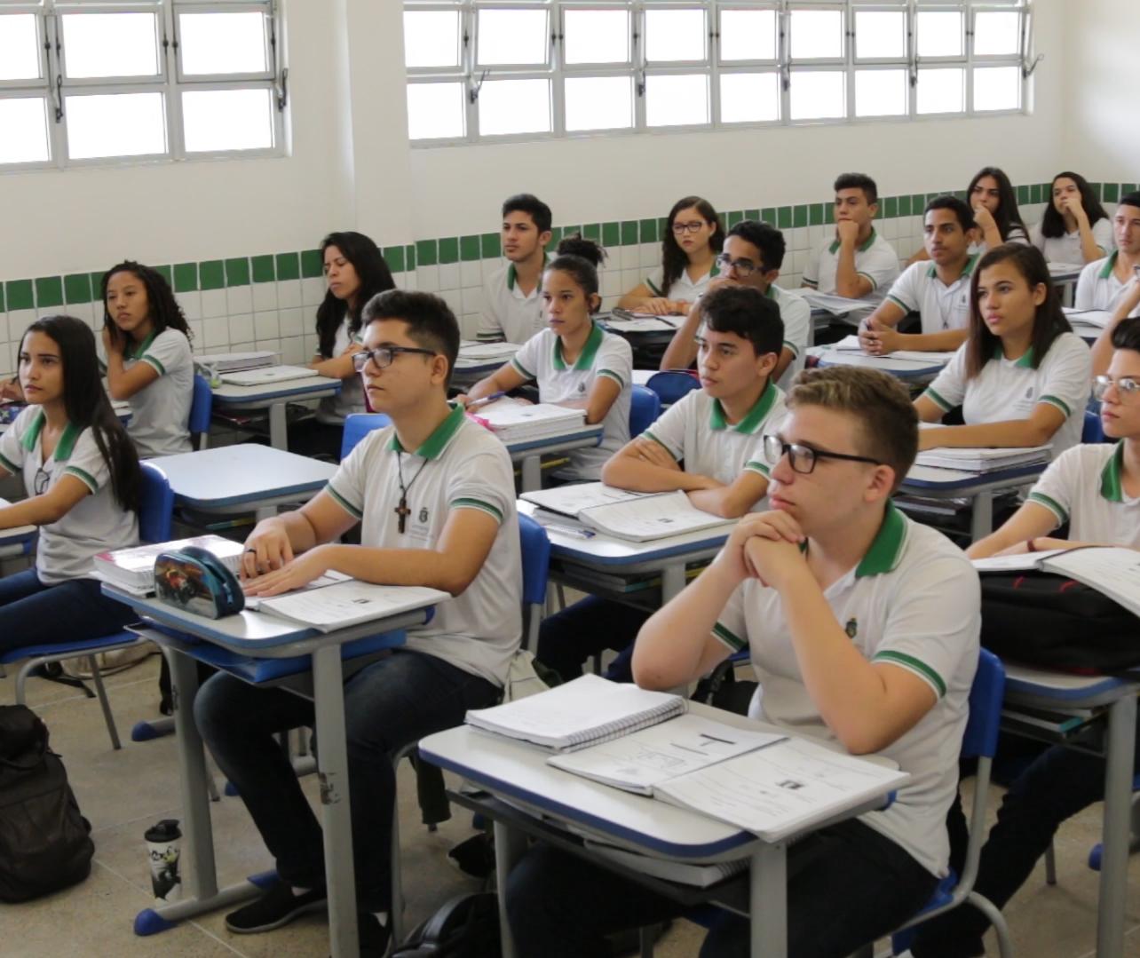 Educação profissional precisa estar presente no ensino médio