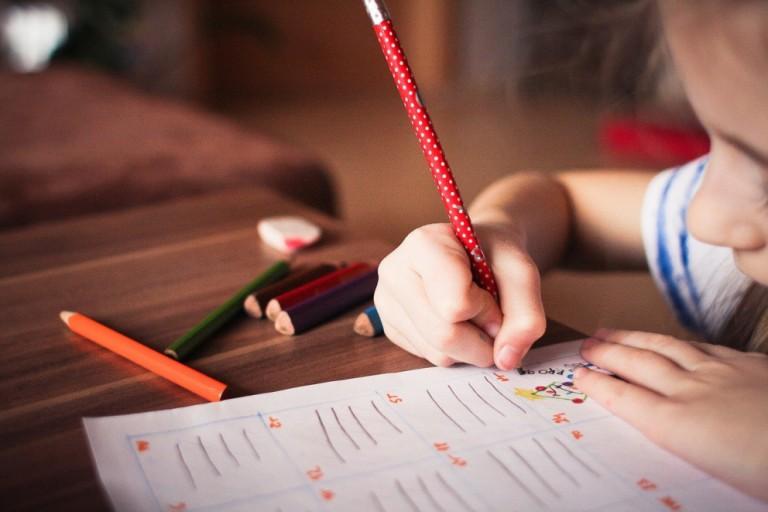 Alunos autistas enfrentam maior desafio de aprendizagem na pandemia