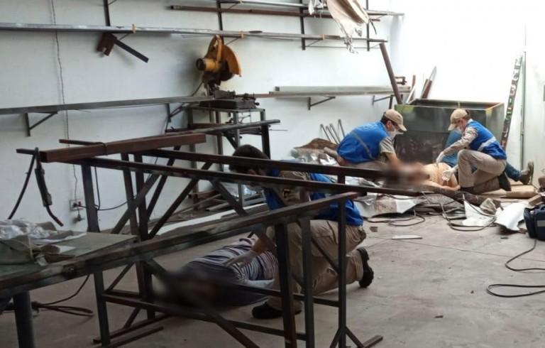 Teto desaba e três trabalhadores ficam feridos
