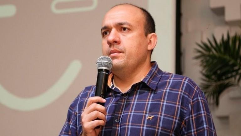 Jair Biatto justifica horas extras e compras de remédios à CPI da Saúde