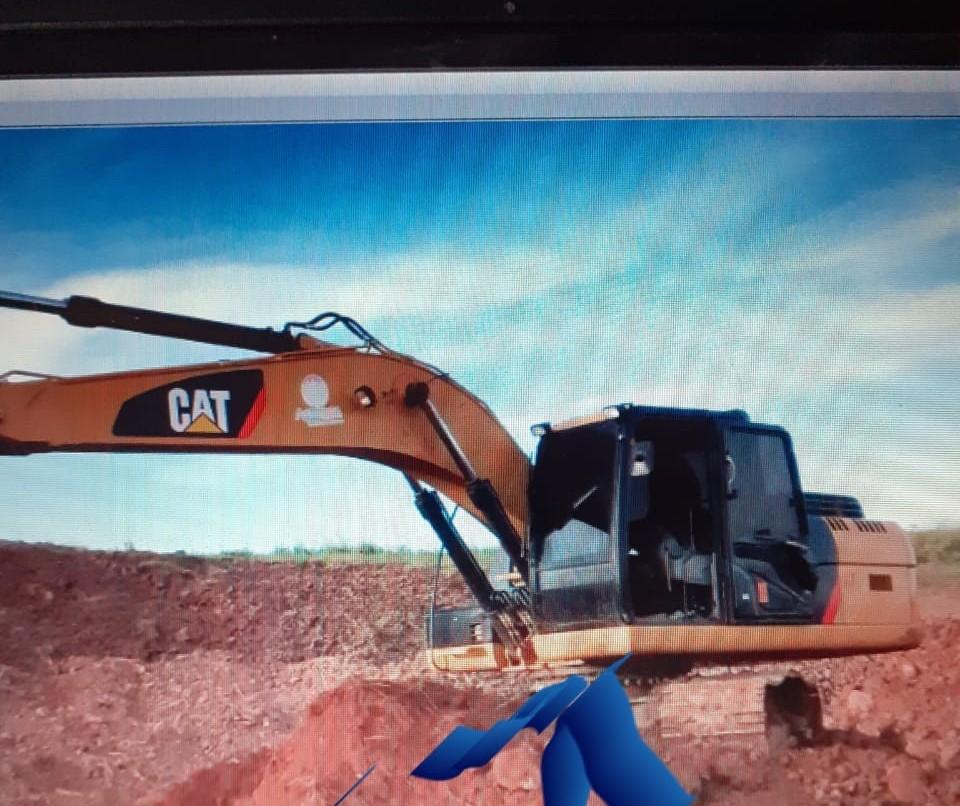Ladrões furtam escavadeira hidráulica de 22 toneladas, avaliada em R$ 600 mil
