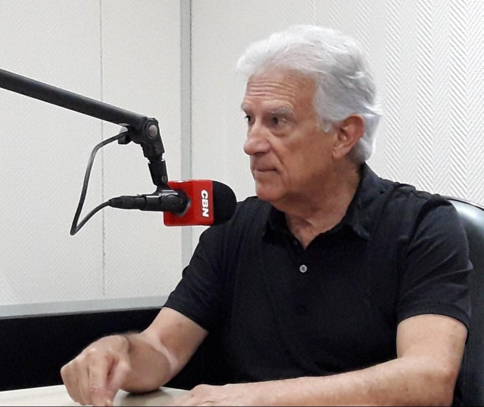 """""""País está nas mãos de um desequilibrado"""", diz deputado Rubens Bueno"""