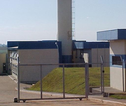 Governo do Paraná nomeia agente de cadeia que saiu da prisão há poucos dias, dizem agentes penitenciários