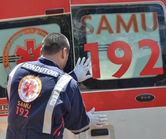 Idoso é atropelado por carro e socorrido em estado grave em Maringá
