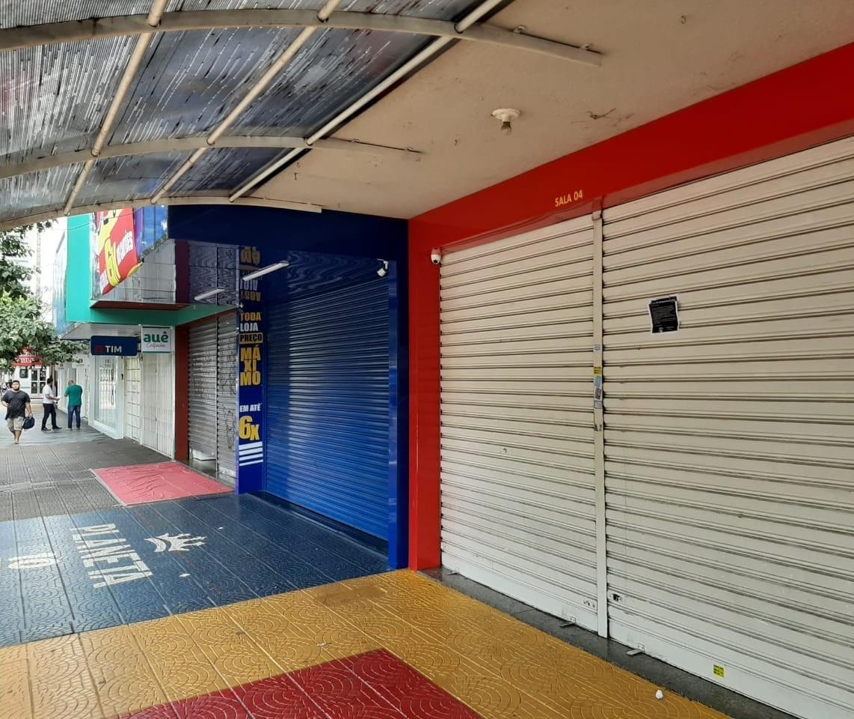 Comércio reabrindo na região; Maringá segue fechado