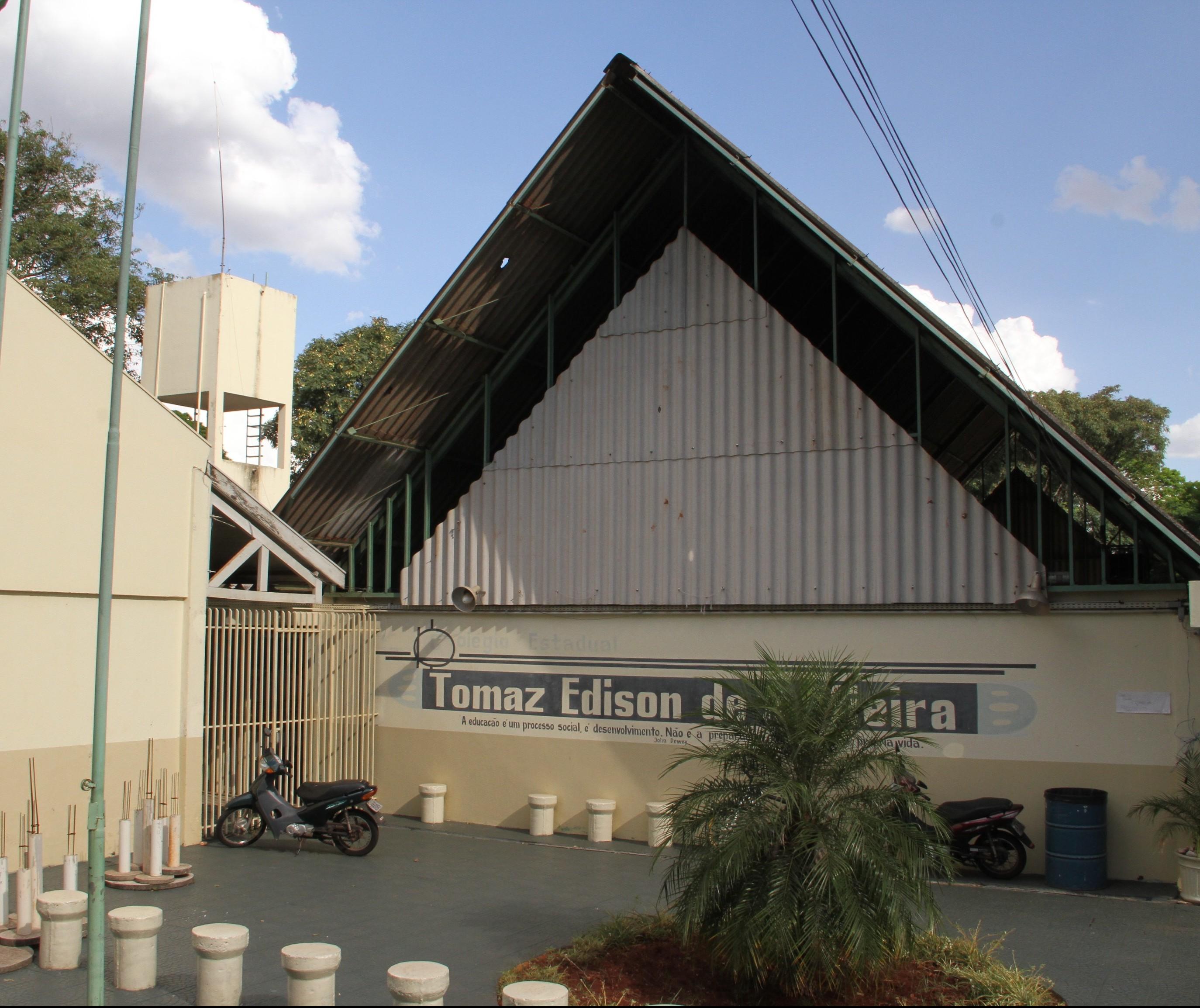 Apenas três colégios estaduais de Maringá têm que repor aulas perdidas durante greve