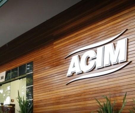 Logo após anúncio de decreto, presidente da ACIM se reúne com prefeito