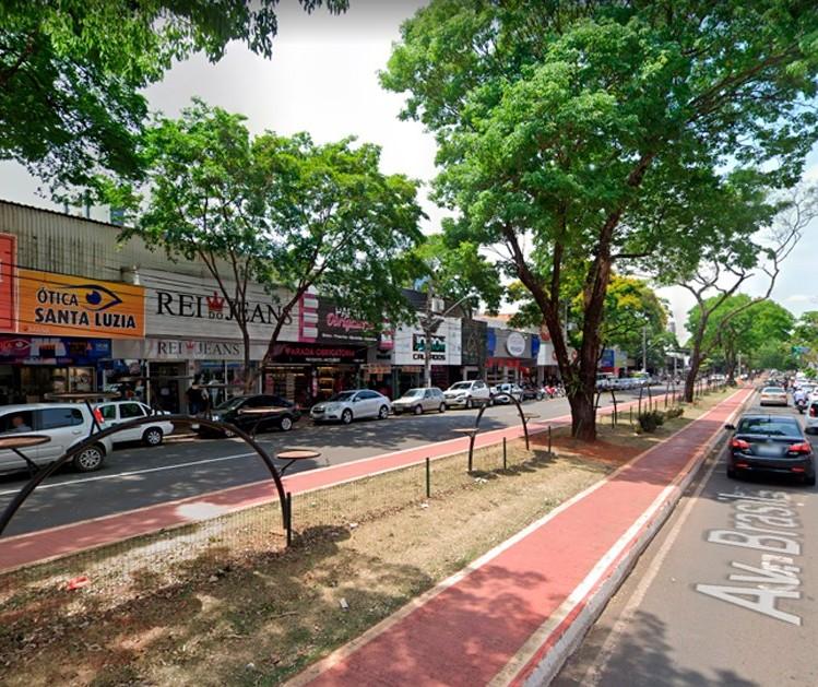 Lojas de rua abertas até 20h e shoppings vendendo por drive-thru