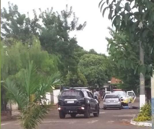 Suspeito de roubo é baleado em confronto com a PM em Floresta