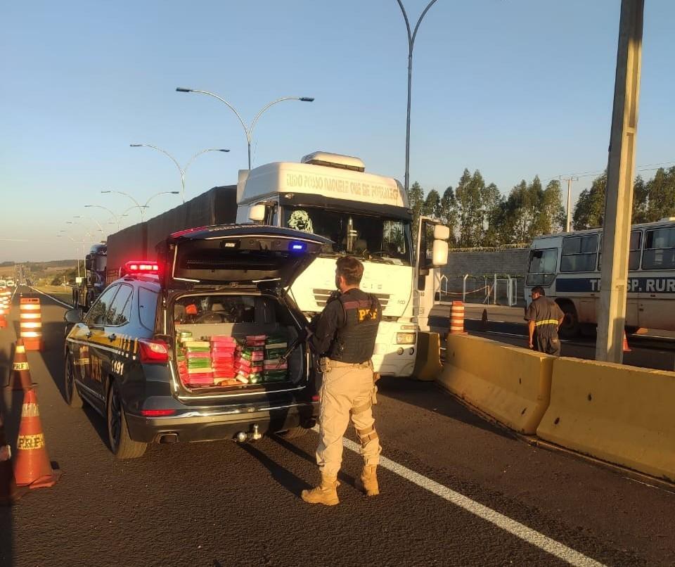 Caminhão transportava 127 quilos de pasta base de cocaína