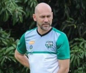"""""""Perdemos pontos importantes em casa"""", avalia treinador do MFC"""