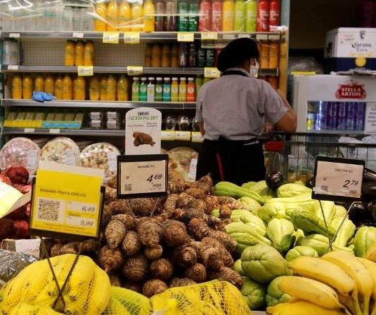 Supermercado de Maringá ganha liminar para abrir aos domingos e feriados