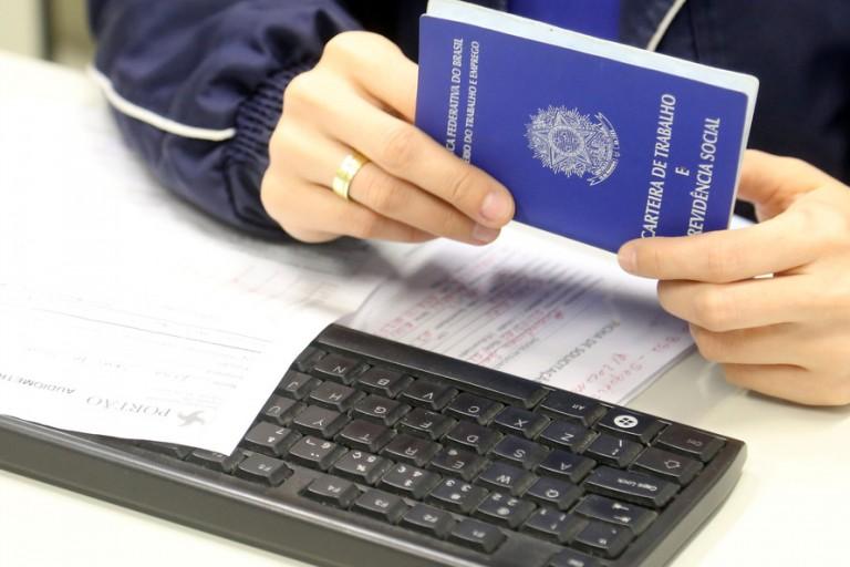 Maringá inicia a semana com 585 vagas de emprego