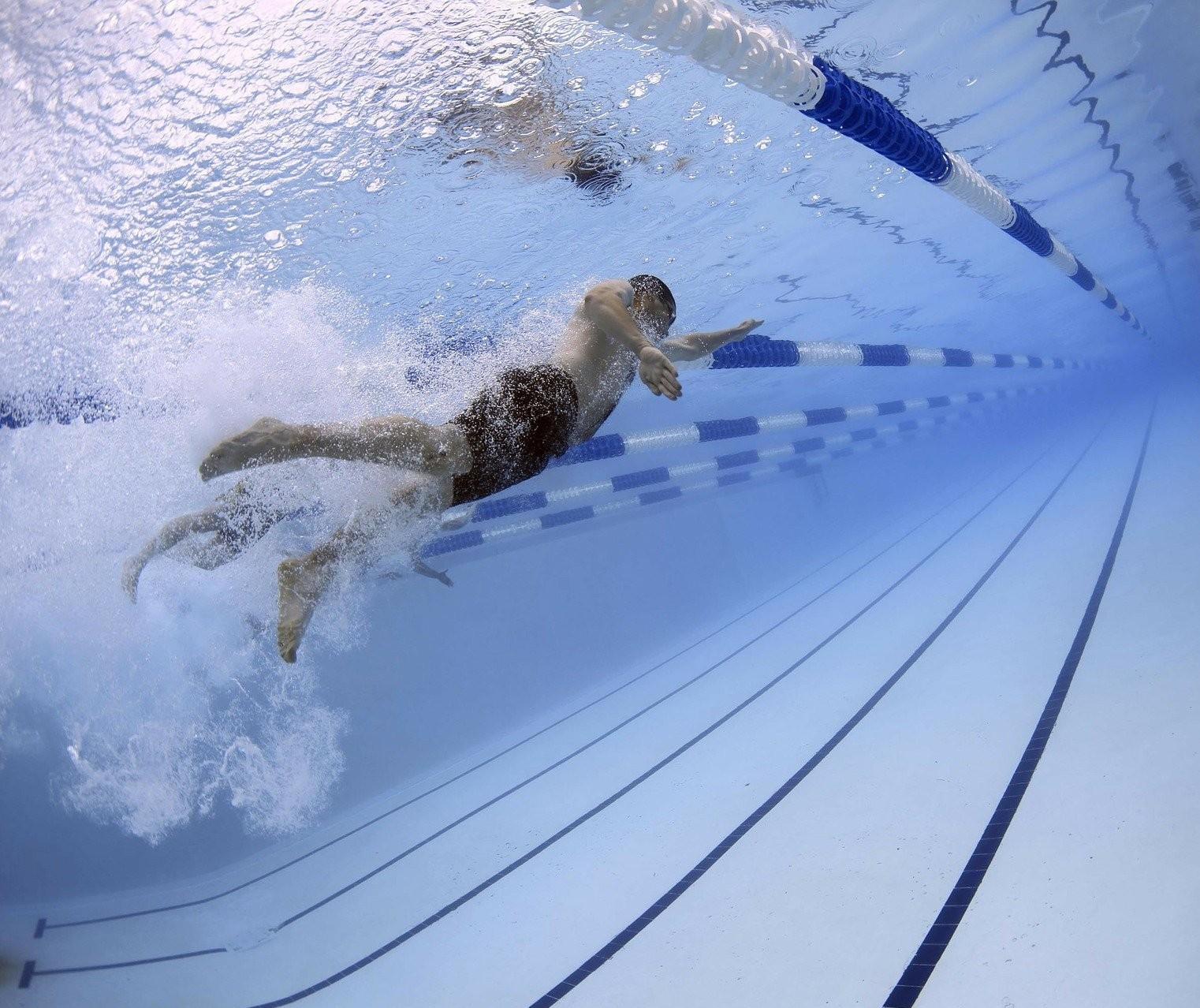 Mesmo com pedidos, escolas de natação não reabrem em Maringá