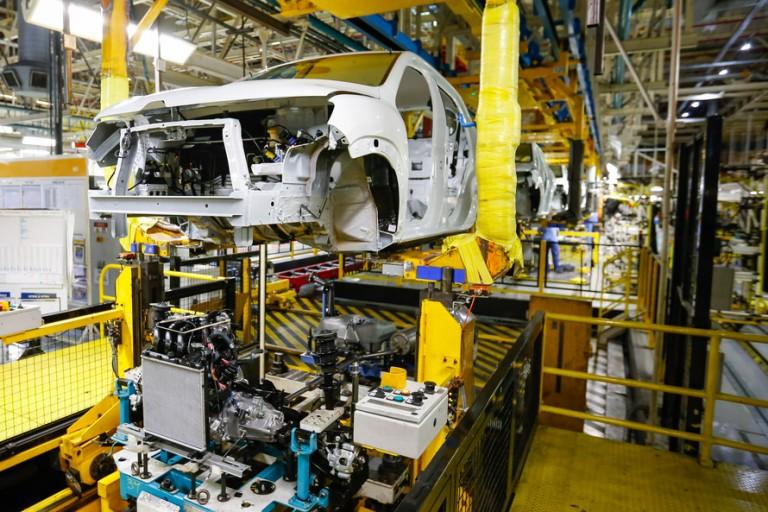 Com exceção do setor automotivo, indústria do Paraná já passou pelo pior momento de queda na produção