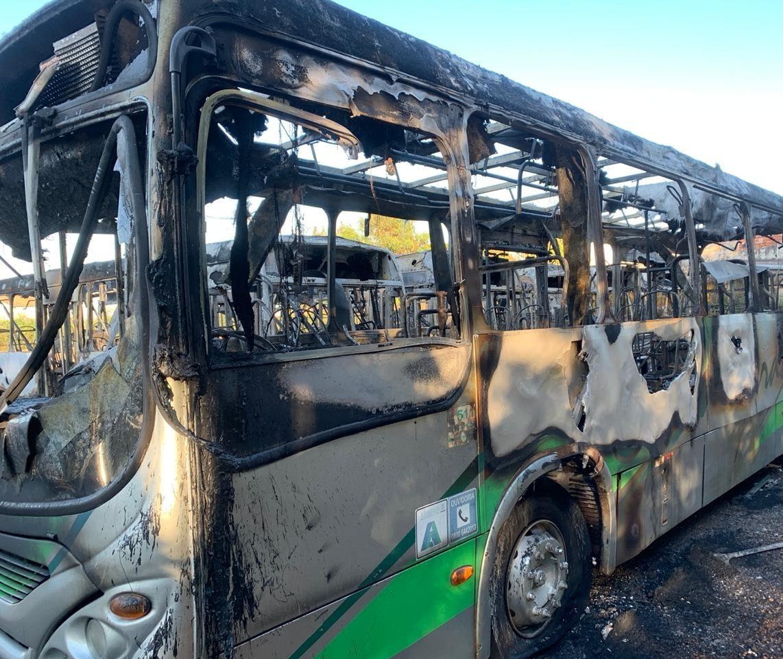 Polícia aponta envolvimento de diretor de sindicato em incêndio de ônibus