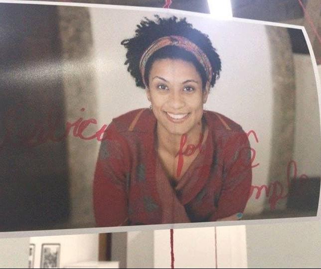 Foto de Marielle Franco é alvo de vandalismo na UEM