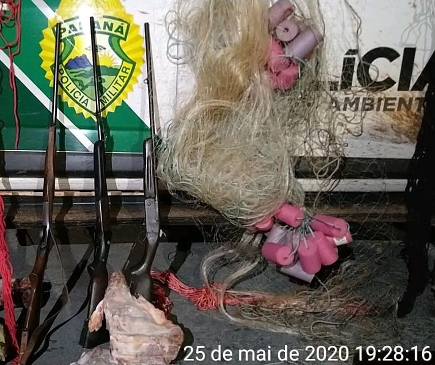 Caça ilegal: Homem é preso com espingardas e 4 capivaras mortas