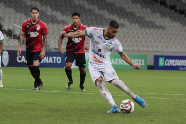 Athletico-PR e Maringá FC empatam em 2x2 na Arena da Baixada
