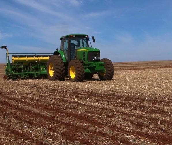 Plantio da soja foi intensificado e chuva alivia produtores