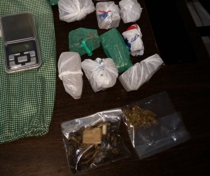 Dupla é presa com droga em Maringá
