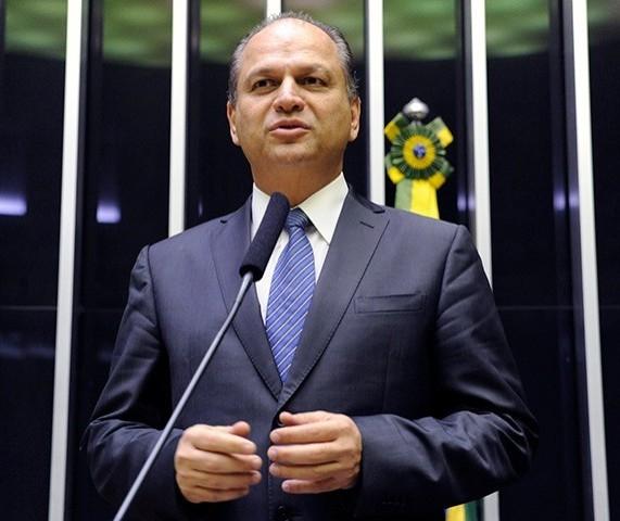 Ricardo Barros não confirma convite para assumir liderança do governo na Câmara