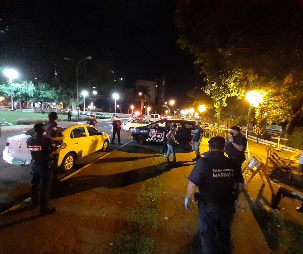 Em noite de fiscalização, equipes flagram grupo de amigos em churrasco