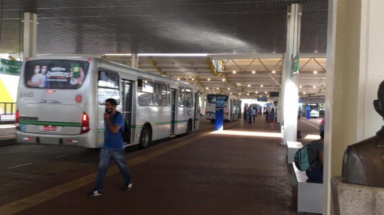 Greve do transporte coletivo de Maringá entra no 5º dia