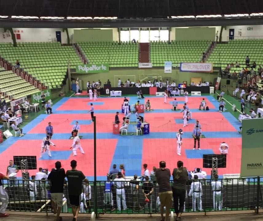"""""""Brasil Open"""" de taekwondo é realizado em Maringá"""