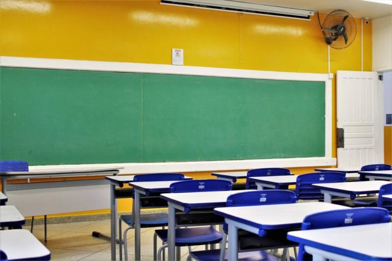 Ministério Público quer cronograma de retorno às aulas presenciais