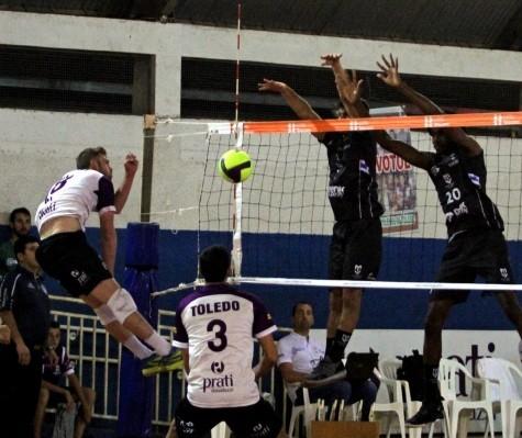 Denk Maringá vence a equipe de Toledo por 3 sets a 0