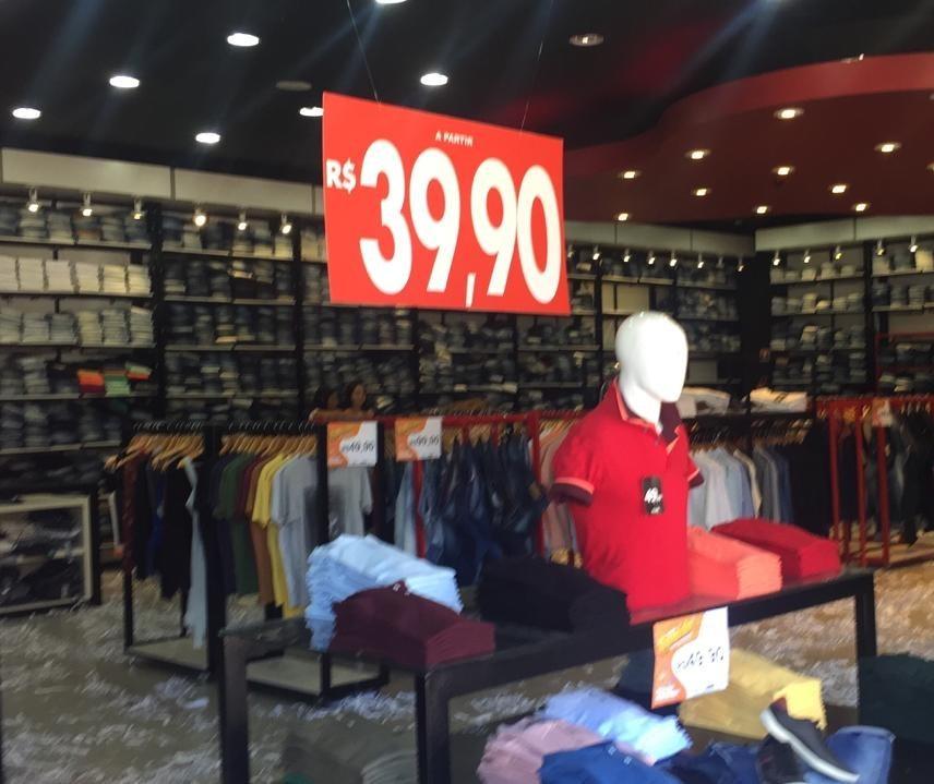 Consumidores da região desembarcam em Maringá para comprar mais barato