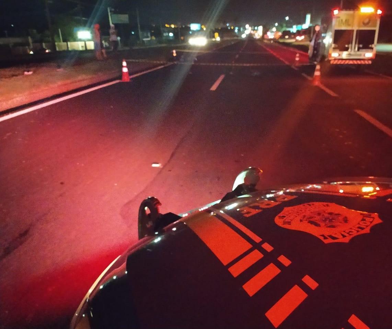 Jovem morre atropelado ao tentar atravessar a BR-376, em Marialva