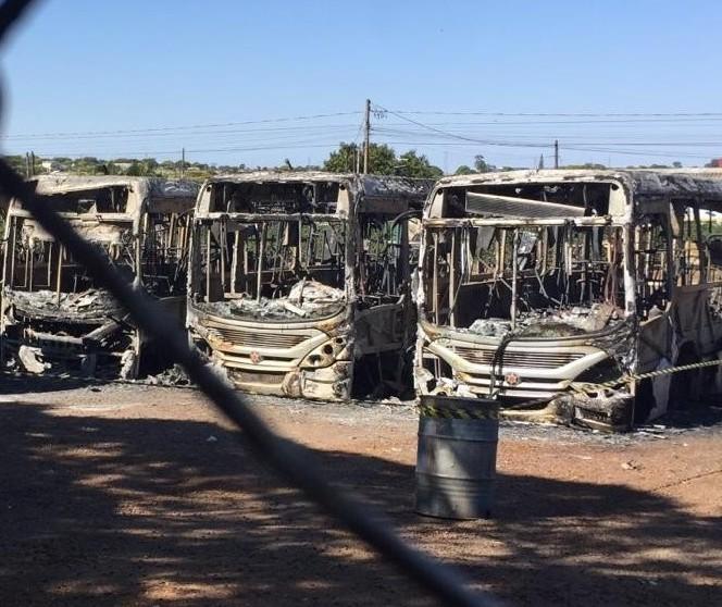 Polícia prende 4 suspeitos de envolvimento em incêndio a ônibus em Sarandi