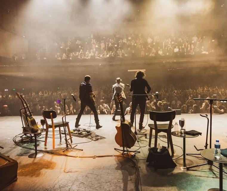 Com quase quatro décadas na estrada, Titãs segue firme no rock
