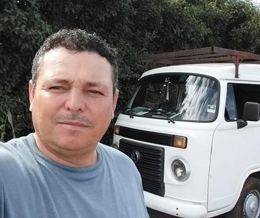 Motorista de Kombi que colidiu contra poste morre no hospital