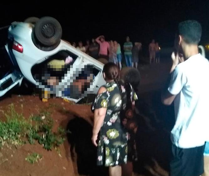 Motorista morre e passageiras ficam gravemente feridas após capotamento na PR-458
