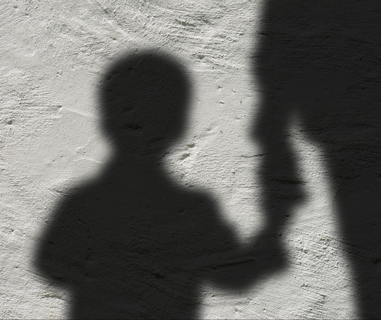 Psicóloga alerta pais: mudança de comportamento pode ser sinal de que a criança está sendo vítima de abuso sexual