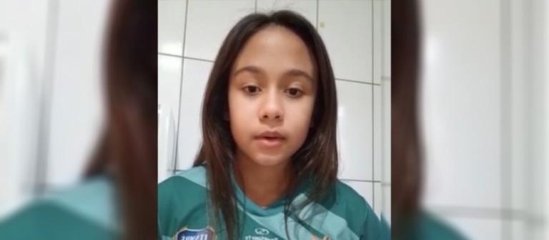 Menina proibida de jogar com meninos consegue autorização para continuar no campeonato