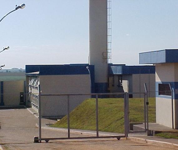 Dez celas modulares vão abrir 120 vagas no sistema prisional de Maringá