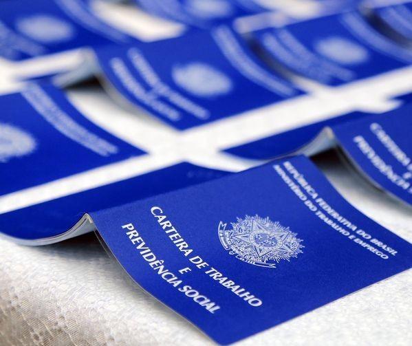 Emissão de carteira de trabalho está suspensa até a próxima terça-feira(20)