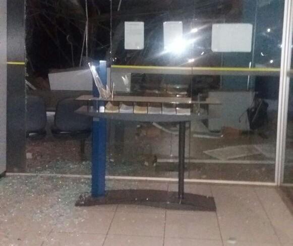 Bandidos explodem agência bancária em Paranapoema, na região Noroeste