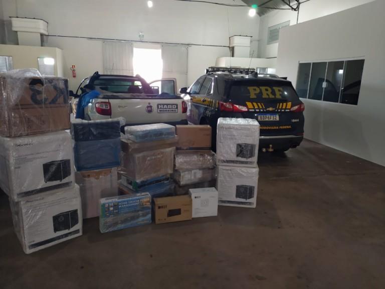 PRF apreende R$ 90 mil em eletrônicos que viriam para Maringá