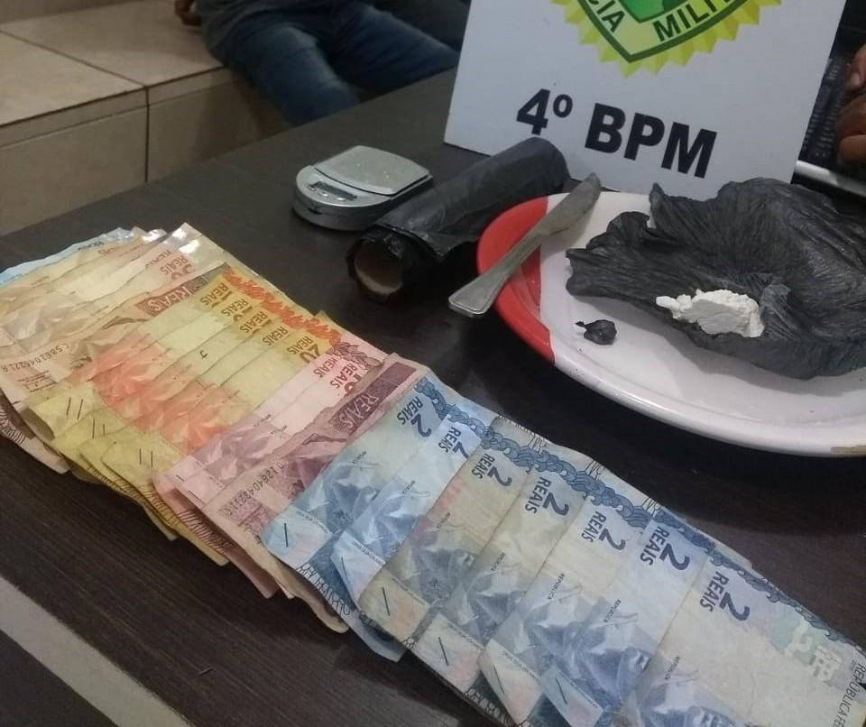 Dois homens são detidos por tráfico de drogas no Jardim Bertioga
