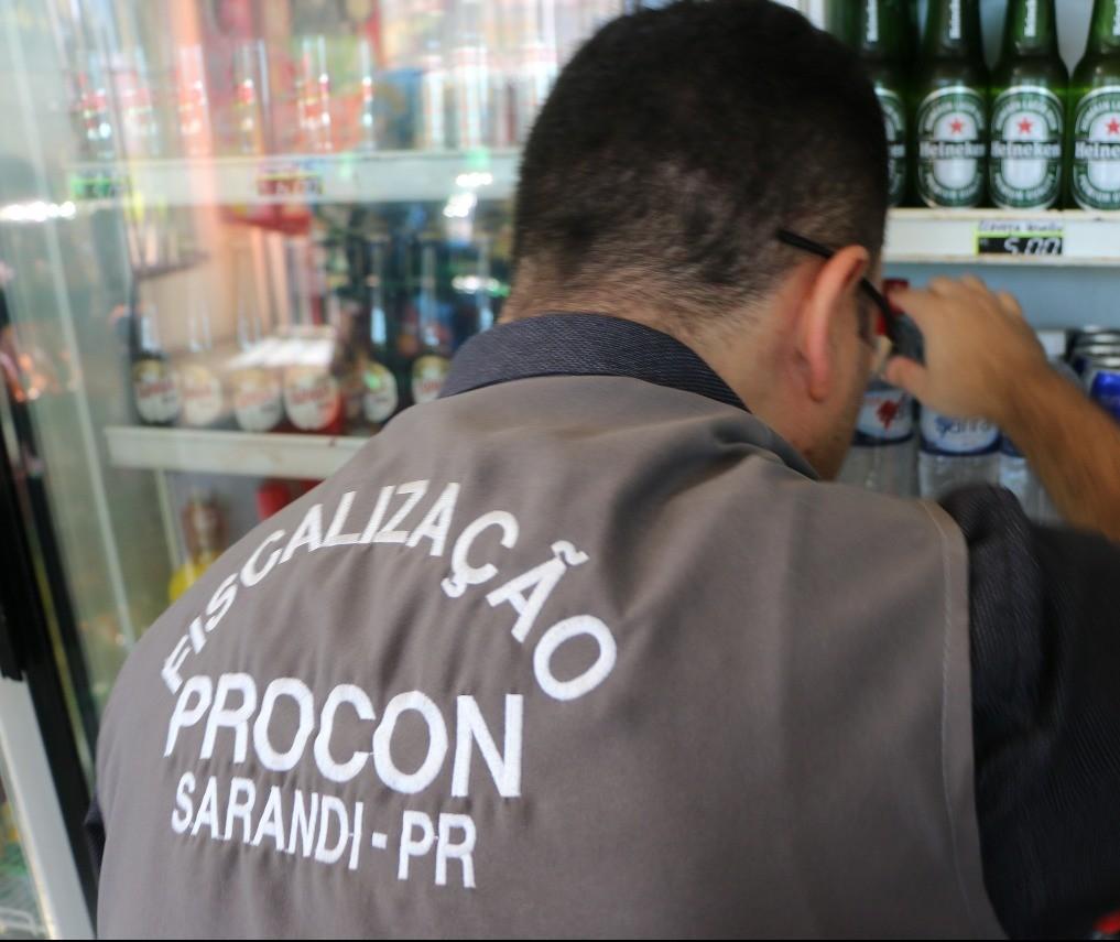 Ipem e Procon encontram irregularidades em dois postos de combustíveis em Sarandi