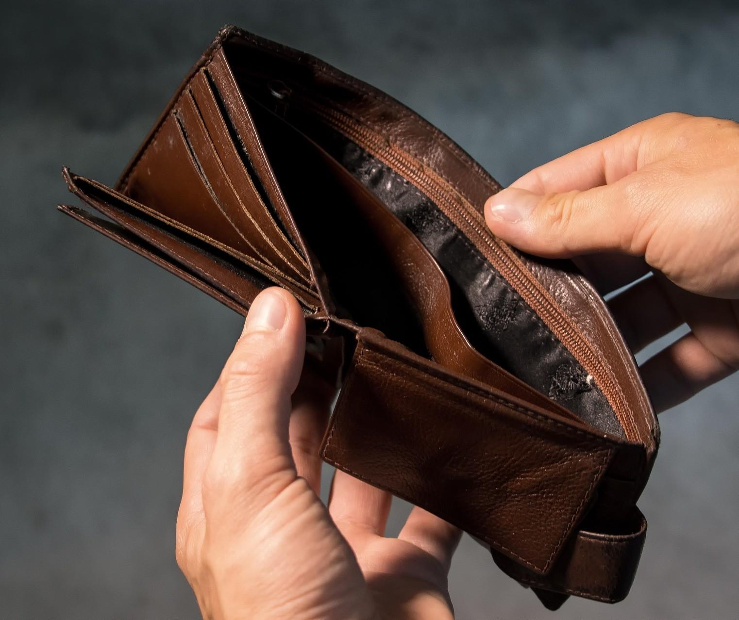 Endividamento de famílias bate recorde em junho, diz CNC