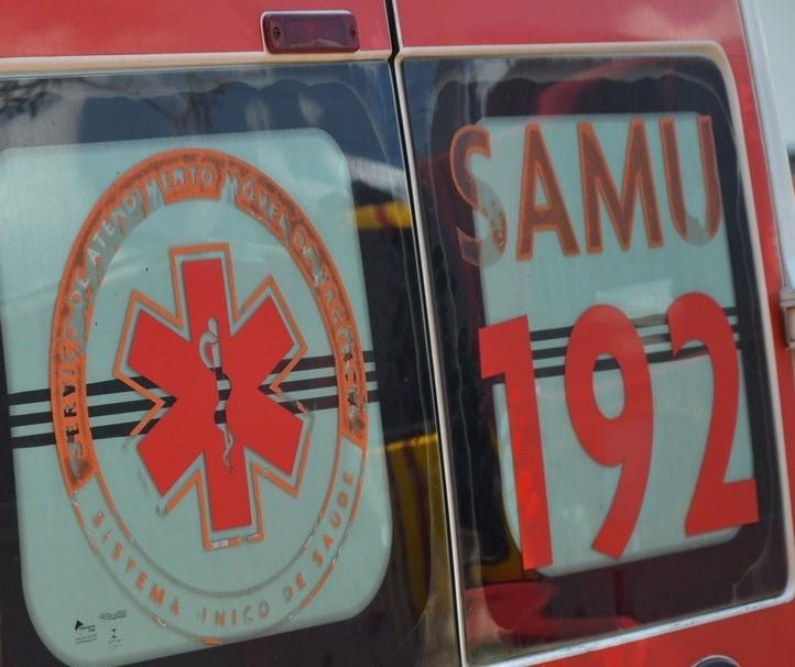 Motociclista fica gravemente ferido em acidente com ônibus em Maringá
