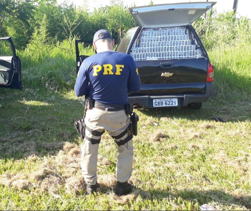 Contrabandista foge, mas carga de cigarro é apreendida pela PRF