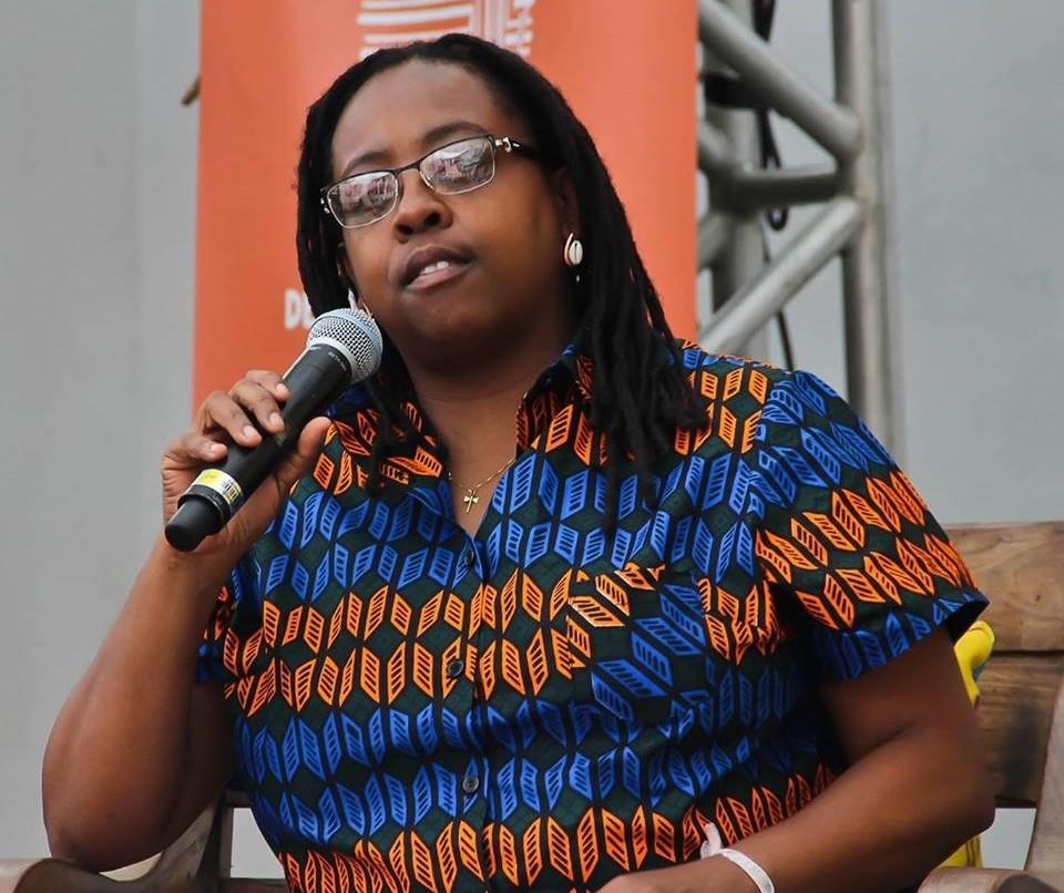 """""""Escritores negros têm várias vozes, não apenas uma"""", diz Cidinha da Silva"""